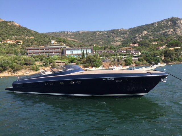 Itama, location bateau haut de gamme à Porto-Vecchio